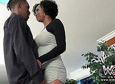 Ebony Milf wants it now