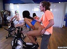 BANGBROS - Latina Rose Monroe`s Sexercise Spin Class (ap16089)