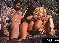 Game of Thrones XXX - Princess Peta Jensen & Her Handmaiden Aruba Jasmine Fucked