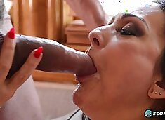 Mature woman fucks wildly with a muscular hunk