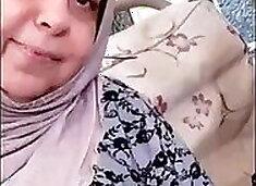 Muslim Arab Stepmom