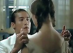 A Chinese man fuck my virgin pusssy and creampie