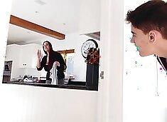 Brazzers - Mommy Got Boobs - Emma Butt Jordi El Nino Polla -