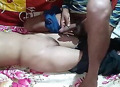 Devar be bhabhi ko tel lagakar choda. Indian sex