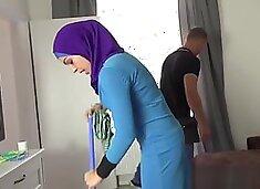 Lazy muslim maid gets hardcore double penetration